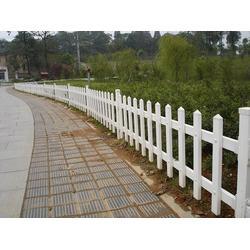 莱芜pvc护栏,鼎鑫营顺,pvc护栏 栅条护栏图片