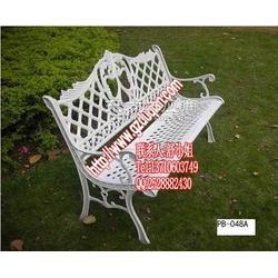 欧式白色现货铸铁公园椅图片