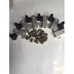 鄂尔多斯欧曼尿素泵箱|济南紫晖|欧曼尿素泵箱液位传感器图片