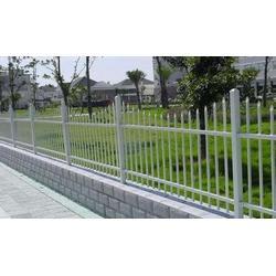 铁艺草坪护栏生产厂家|河源铁艺草坪护栏|临朐远晟金属(查看)图片