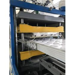 发泡快餐盒设备、海元机械快餐盒设备、龙口海元塑料机械(查看)图片