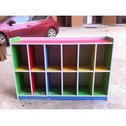 供应书包柜幼儿园设备图片