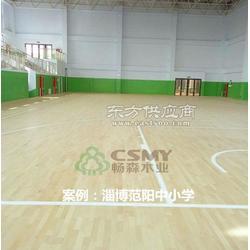 运动木地板的选材以枫桦木为主图片