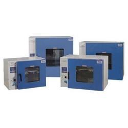 电热恒温箱、恒温箱、柯美检测恒温箱生产厂家 图片