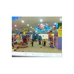室内儿童淘气堡乐园图片