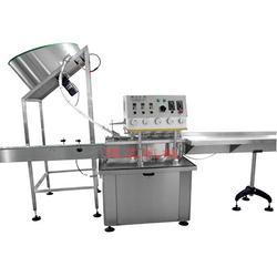 谭工机械(图) 多功能灌装旋盖贴标机 贴标机图片