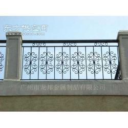 供应定制铁艺阳台栏杆B001图片