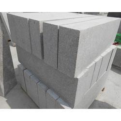 道路压边石供应商、建栋石材(在线咨询)、道路压边石图片