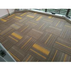 方块办公地毯现货厂家图片