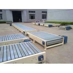 热塑料材质链板输送机_链板输送机_悦达链网厂家图片