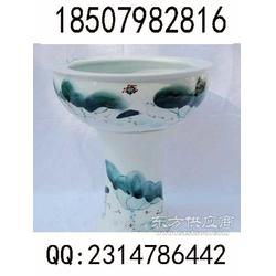 装鱼陶瓷大缸图片