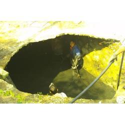 珠海市废水管道清疏_专业下水道清理淤泥_管道清疏图片
