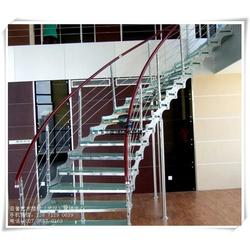 孝南钢木楼梯_成品钢木楼梯_室内钢木楼梯图片