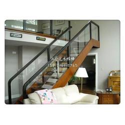东西湖钢木楼梯|如何挑选钢木楼梯|单梁钢木楼梯图片