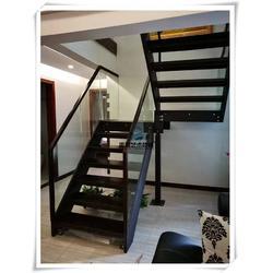 双粱钢木楼梯,室内钢木楼梯,顺道街钢木楼梯图片