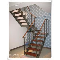 洗浴中心钢木楼梯 复式楼钢木楼梯 广水钢木楼梯图片