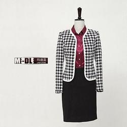 山东设计衣服大家,玛迪蓝服饰设计衣服(在线咨询),设计衣服图片