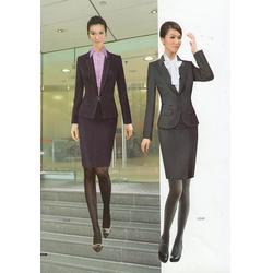 设计衣服生产_设计衣服_玛迪蓝服饰设计衣服图片