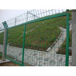 隆安护栏网(图)_厂家供应带框的护栏网_带框的护栏网图片
