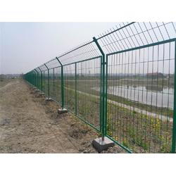 东营高速公路护栏网_森泰丝网厂_高速公路护栏网图片