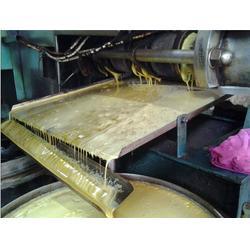 河南能达国标制订单位,花生榨油机器,商丘花生榨油机图片