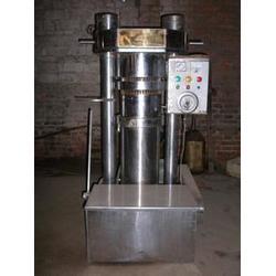 液压榨油机茶籽gh_河南能达国标单位_应城市液压榨油机图片