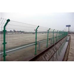 焜凯丝网、高速公路护栏网、公路护栏图片