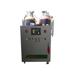 聚氨酯高压发泡机180型、高压发泡机、蓬莱忠惠高压发泡机图片