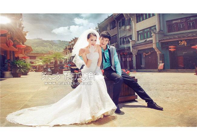 卡尔风尚婚纱摄影_郑州婚纱摄影工作室地址_婚纱摄影图片