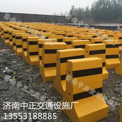 全国水泥墩多少钱-小区水泥墩作用-物业水泥墩穿管图片