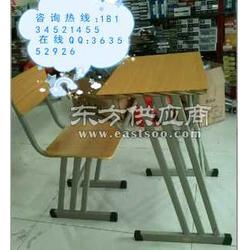 优质学生课桌椅 爆款培训学习桌 单双人钢木课桌椅图片